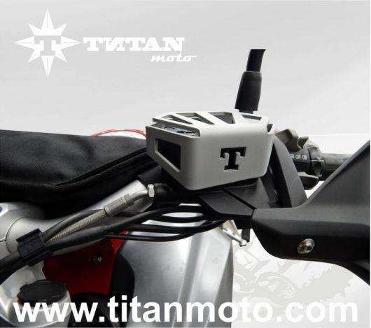 Защита бачка сцепления алюминиевая BMW R1200GS LC titanmoto.com